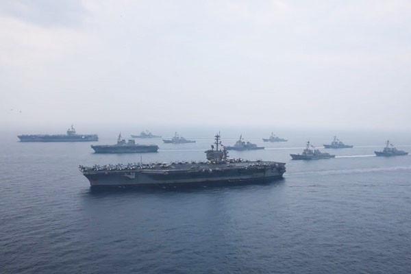 警告朝鮮 美兩艘航空母艦提前馳往韓國