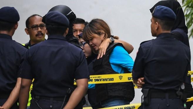 涉暗杀金正男 2女重兵押护出庭 均不认罪