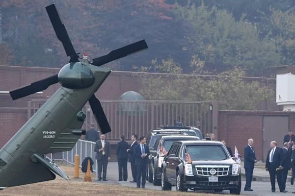 川普突访韩朝非军事区 因大雾被迫折返