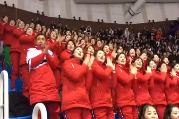 脱北士兵:朝鲜美女啦啦队实为领导人性奴