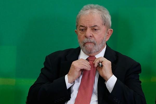 巴西前總統入監服刑 喪失總統參選資格