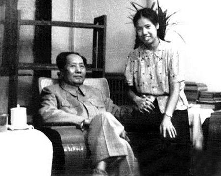 揭秘:江青在萬人會場大哭 講毛澤東和兒媳的事