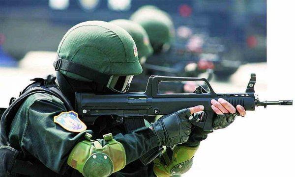 張又俠驚嘆美製步槍比95步槍強多了(視頻)