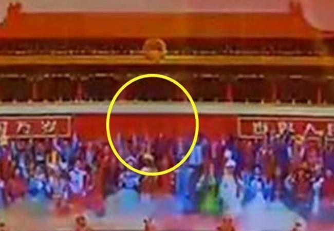 央視畫面天安門城樓無毛像   節目未改照常播引發關注