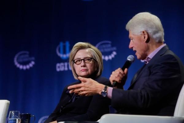 希拉里助民主黨人競選 紐時編委會成員「要她閉嘴」