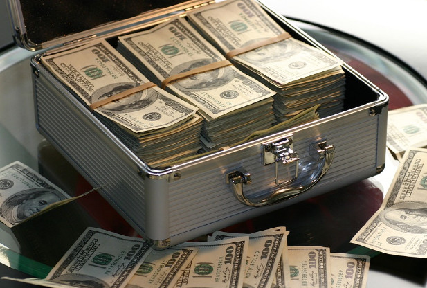 中外奇闻 富贵钱财可以转世?