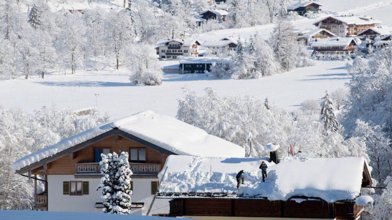 欧洲多国遇暴风雪酿21人死 德国机场逾百航班取消