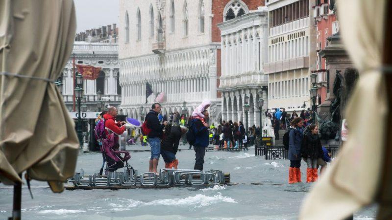 威尼斯一日游 首次向观光客征入城税