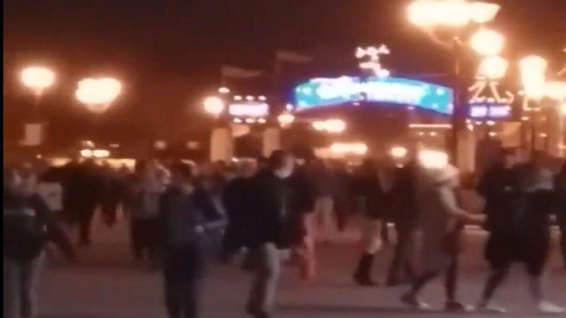 机械故障声当爆炸 巴黎迪士尼乐园游客惊恐四散