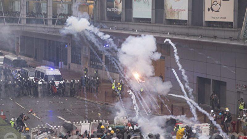 专家:从无警到武警 香港警队摧毁多年信誉