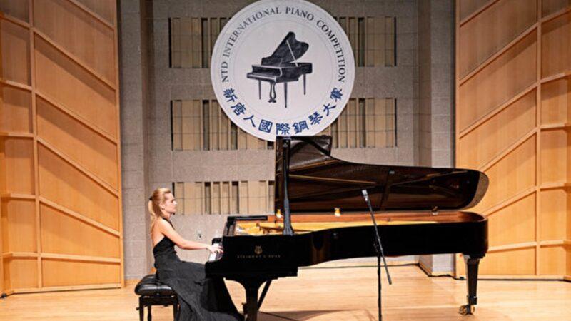 组图:钢琴大赛优秀奖得主的精彩表演瞬间