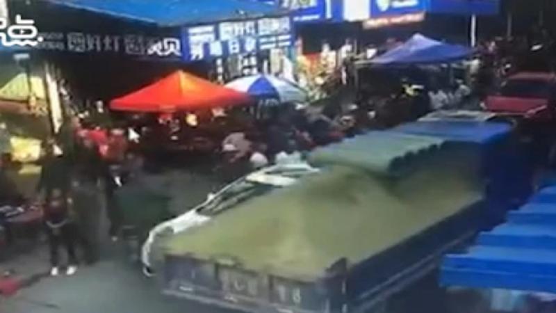 大貨車失控撞湖南市集 至少釀26死傷
