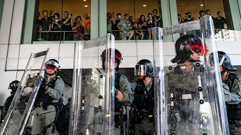 香港高级警官:警队已到极限 无人越界是假
