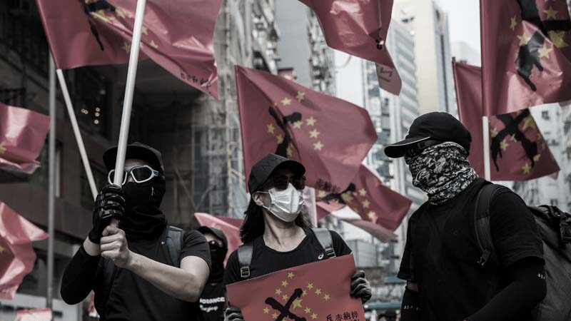 央視播香港少女參加示威遭性侵 破綻百出遭狂轟