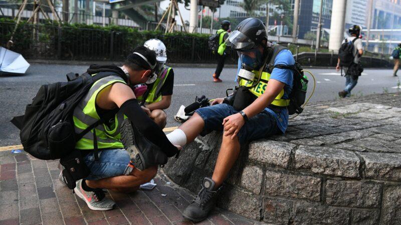 """探密:香港示威者的""""地下诊疗室"""""""