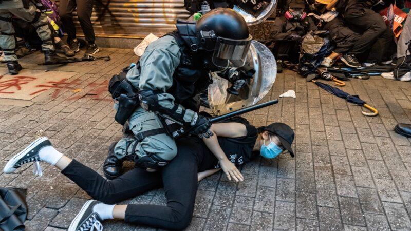 港媒:少女被无故拉入警署遭4警轮奸致孕