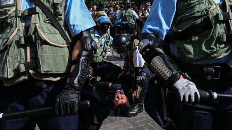 中華民國總統蔡英文譴責港警向民眾開槍