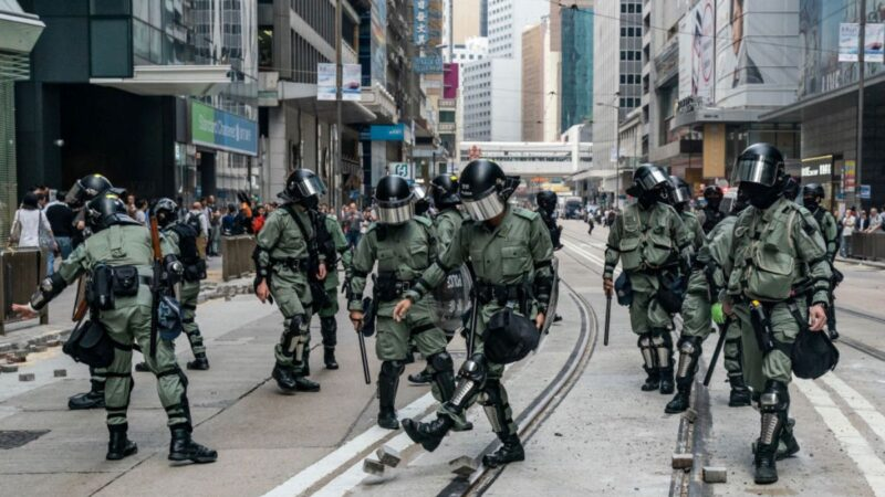 誰在撒謊?黨媒推特曝香港週末宵禁 港府:謠言
