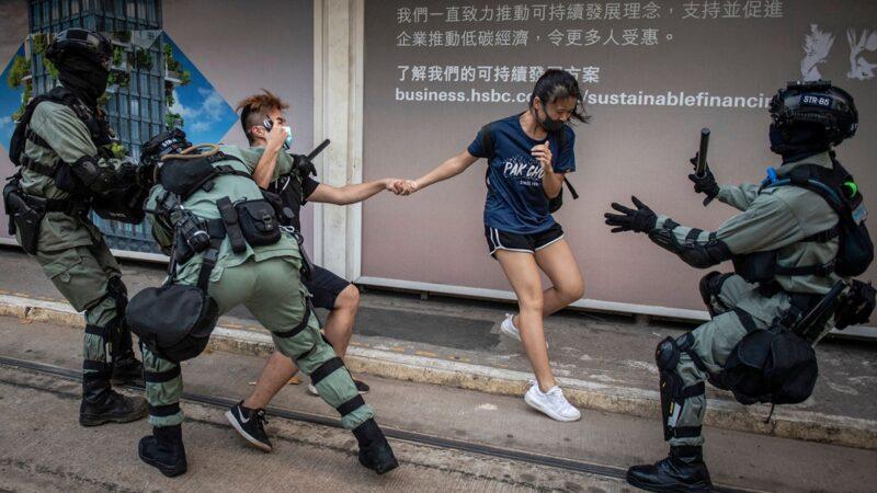 """香港周日大游行 港警提前""""埋雷"""""""