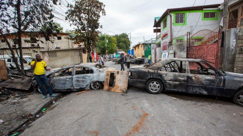 要求加薪 海地军警起冲突 首都封城
