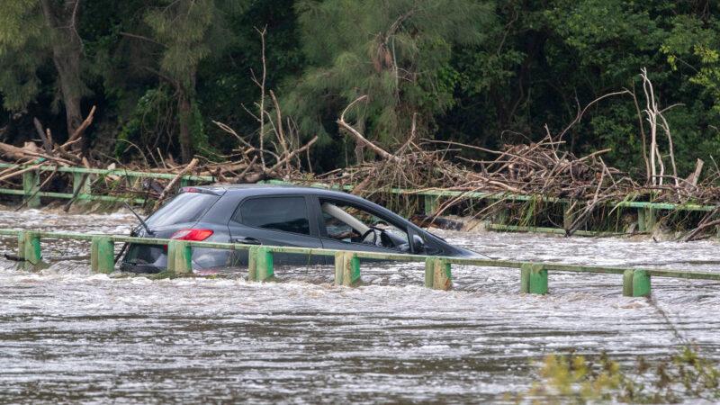 悉尼30年来最大降雨 浇熄野火但或引爆山洪