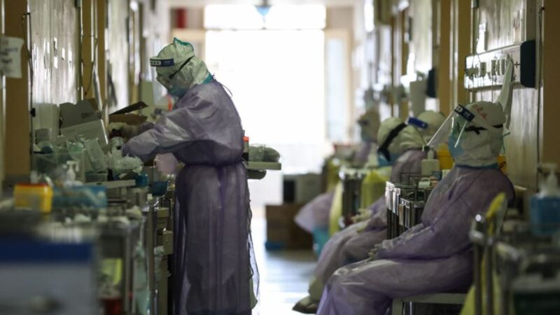 钟南山罕见承认:武汉地区危重症死亡率近40%