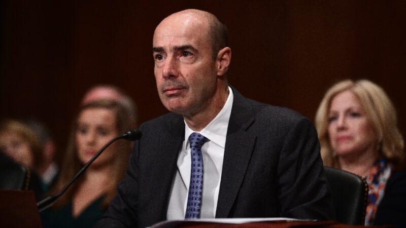 川普指示撤回联邦退休金 禁止投资中共企业