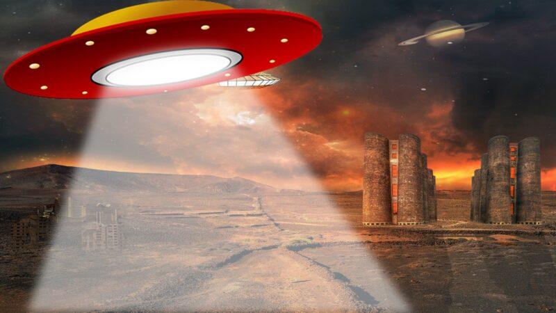 太阳上惊现超巨型UFO 外星人在加油?(视频)