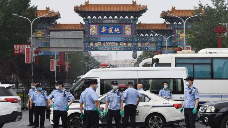 傳北京軍隊醫院爆滿 殯儀館有員工全副武裝燒尸(視頻)