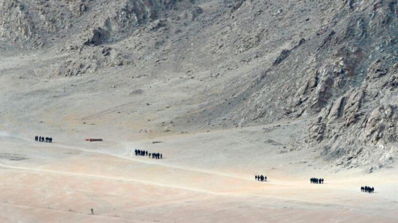 中印对峙之际 中共以军人描红中尼界碑替代宣传