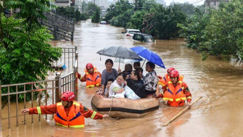 """长江变""""悬河"""" 江西发布最高洪灾预警"""