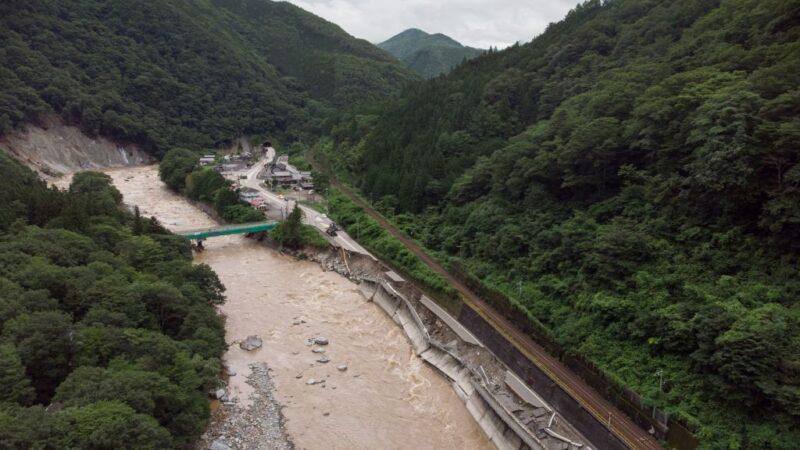 豪雨重创日本九州已65死 道路中断多处成陆上孤岛