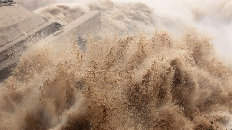 第3號洪水來襲 三峽大壩上游再爆地震