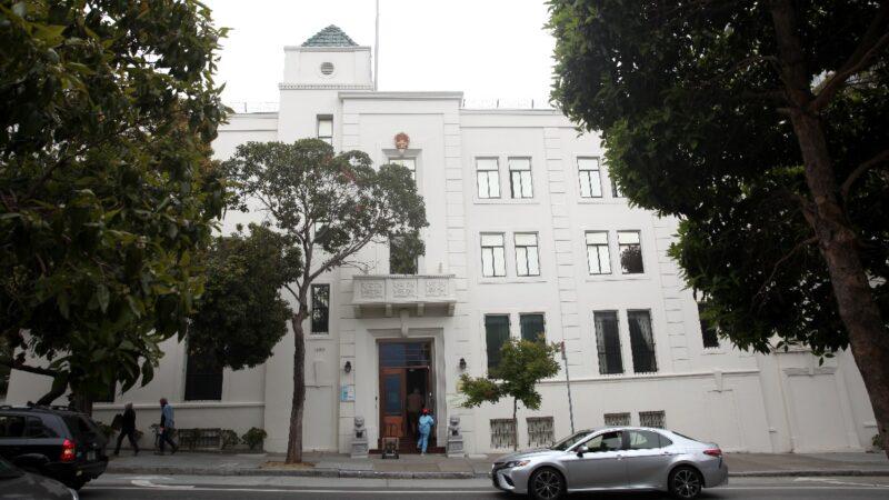 疑被中共抛弃 唐娟出庭未聘律师