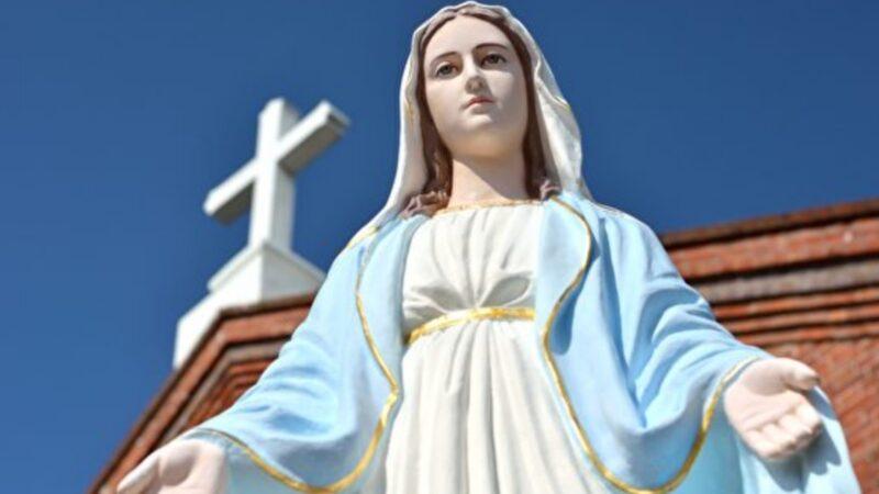 疫情下意大利圣母雕像流血泪 引民众围观