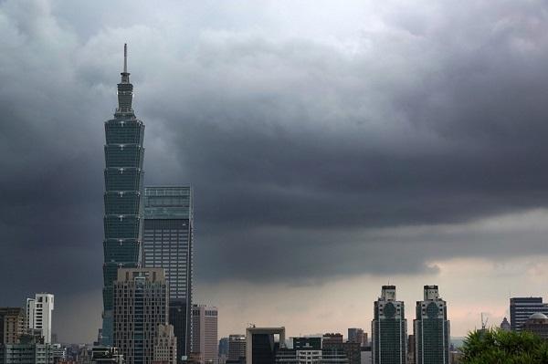 台风米克拉登陆福建 台湾预计晚间降雨趋缓