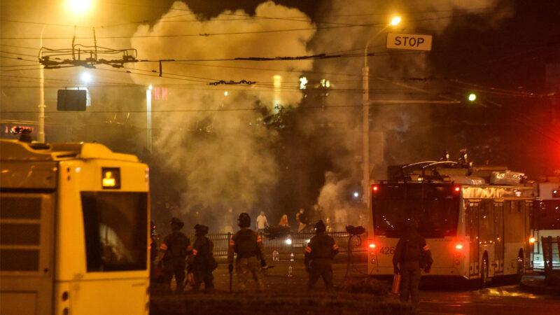 白俄罗斯大选结果引发暴力冲突 各界吁欧盟制裁