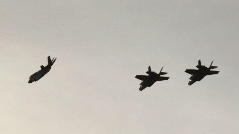 美日東海軍演精銳盡出 39架軍機空戰訓練