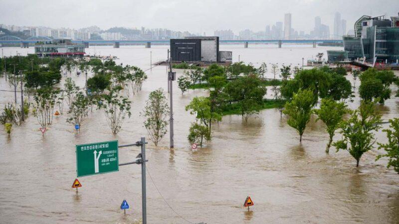 韩国暴雨酿灾 13死13失踪 逾千人流离失所