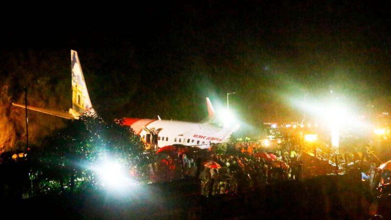 雨中降落衝出跑道 印度撤僑專機斷裂17死173人傷