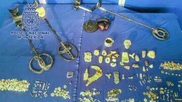 西班牙男家藏羅馬古文物 甚至有3200年前珠寶
