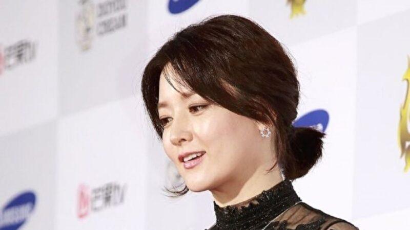 49岁李英爱晒素颜照 肌肤细腻获赞越来越美