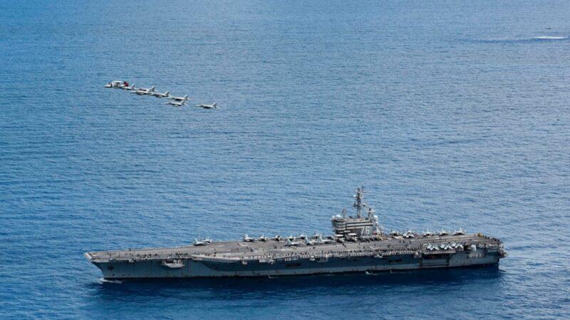 里根航舰巡弋菲律宾海 飞弹巡洋舰、战机火力展演
