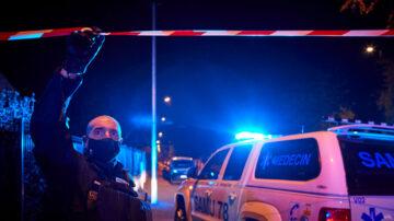 法国教师遭恐怖分子斩首 马克龙谴责:攻击整个国家