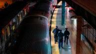 一周三次地铁乘客被推下月台 纽约市将增派警力