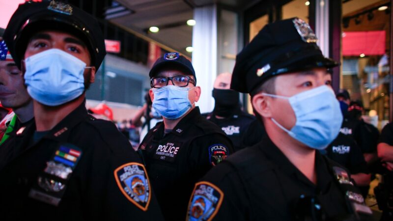 美总统大选日临近 各地警方均做准备应对骚乱