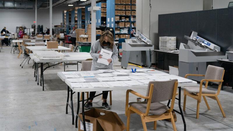乔州灌票女团伙作案 重复扫描相同选票(视频)