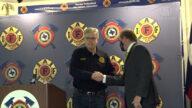 副州長籲解決休斯頓與消防員協會矛盾