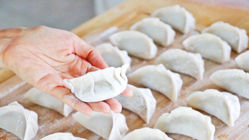 【美食天堂】鸡肉馅饺子 这么做太美味多汁了!