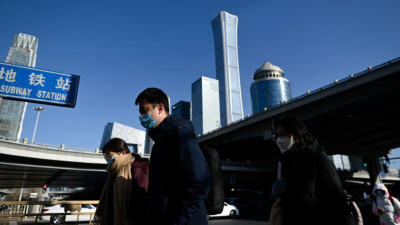 北京疫情升溫 病毒檢測排長龍